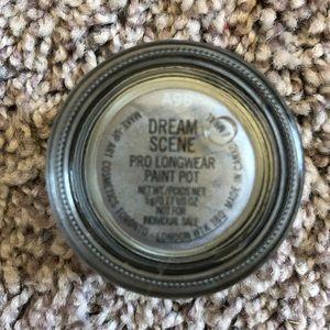 MAC Pro Longwear Paint Pot- Dream Scene